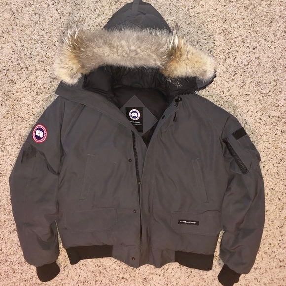 Canada Goose Other - Men s Canada Goose Chilliwack (Grey Large) f3461d1a687a